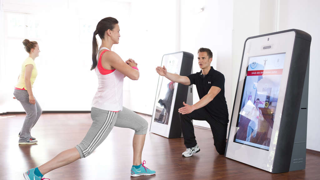 Functional Training Training Digital: Work Out vor der Smarttrainer