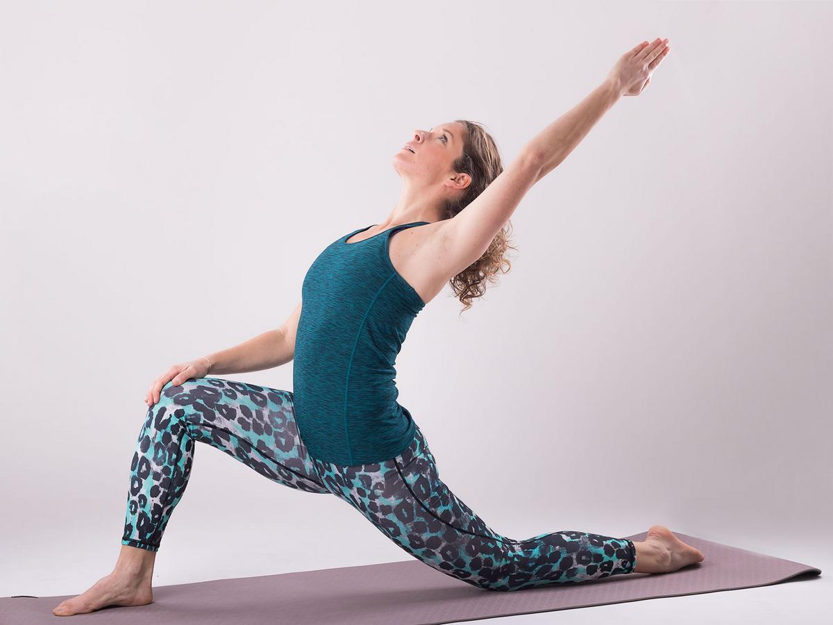 Faszien-Yoga: Mit einfachen Übungen das Bindegewebe ganz sanft ...