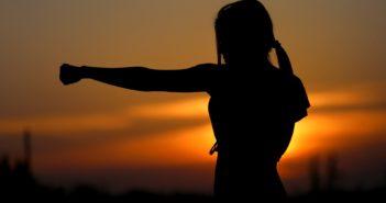 Frau, Selbstverteidigung, Selbstbehauptung