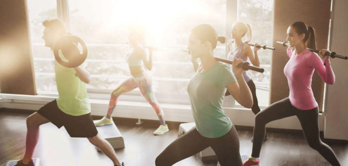 Hot Iron: Muskelaufbau & Körperstraffung mit der Langhantel.