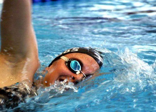 Schulterschmerzen nach dem Schwimmen | Ratgeber, Tipps, Hilfe