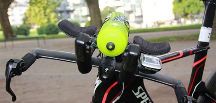 Verpflegung auf langen Rennradtouren: Nur Wasser, Isodrinks, Gels oder Riegel – wie ernährt man sich richtig auf dem Rennrad? Traithlon, Radsport, Training