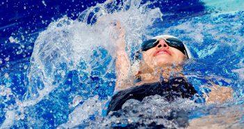 Schwimmen gegen Rückenschmerzen: techniken, tipps und hilfe