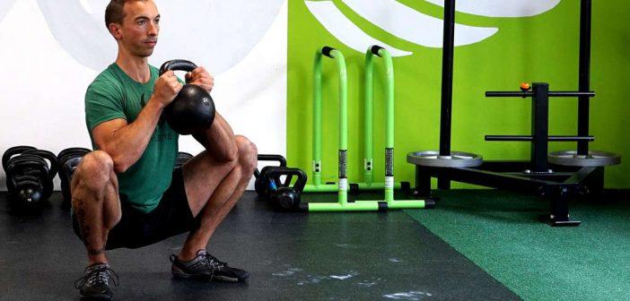 Goblet Squats: richtige Ausführung, Fehler vermeiden, Trainingseinsatz. Vom Trainer und Sportexperten Sebastian Müller