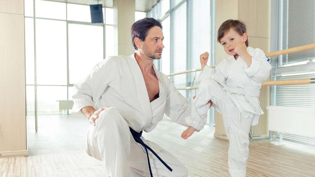 kampfsport f r kinder und jugendliche kampfsport sportarten taekwondo. Black Bedroom Furniture Sets. Home Design Ideas