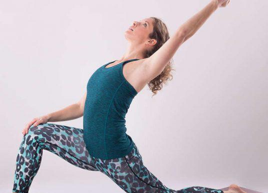 Faszien-Yoga: Mit einfachen Übungen das Bindegewebe ganz sanft entspannen