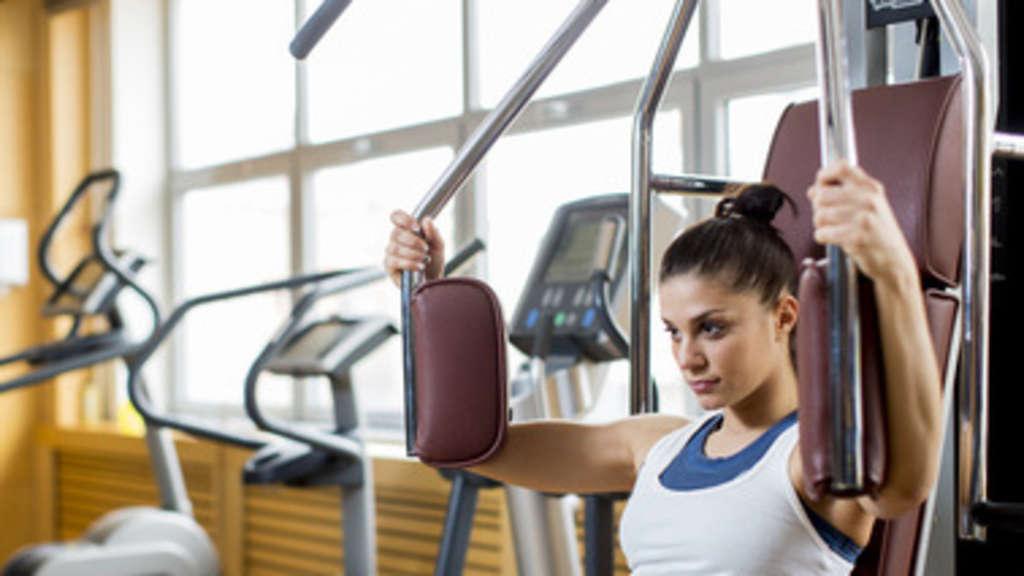 wer braucht das core training core training fitness krafttraining rueckenschmerzen training. Black Bedroom Furniture Sets. Home Design Ideas