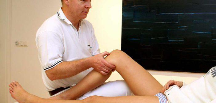 Diagnose von Knieschmerzen: häufig zählen nur die umliegenden Muskeln. Dabei kommt insbesondere die Hüftmechanik als Ursache für Knieschmerzen in Frage!