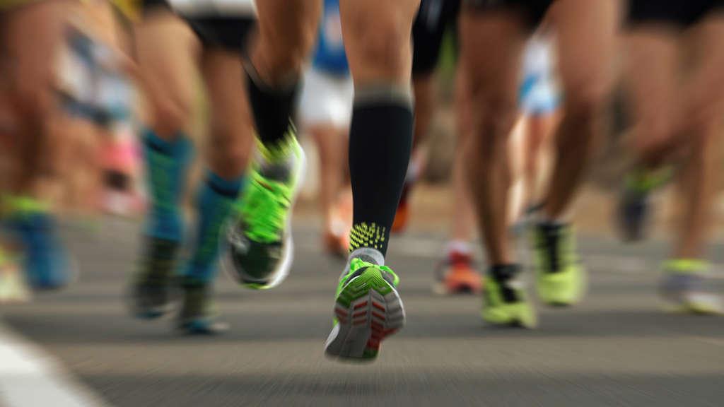 Welches ist besser, Gewicht beim Schwimmen oder Laufen zu verlieren