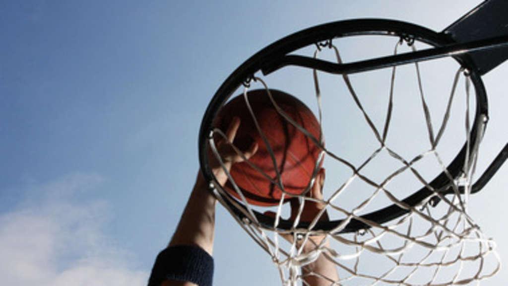 Krafttraining im Basketball | Basketball, Krafttraining, Sportarten ...