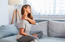Schulter- Nackenschmerzen: Woher kommen sie, und was kann man dagegen tun? Effektive Übungen und Tipps zur Selbsthilfe für Zuhause.