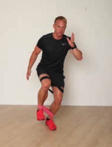 Das Ausgleichstraining wird von vielen Läufern vernachlässigt, dabei ist es für ein beschwerdefreies Training essenziell: die besten Übungen